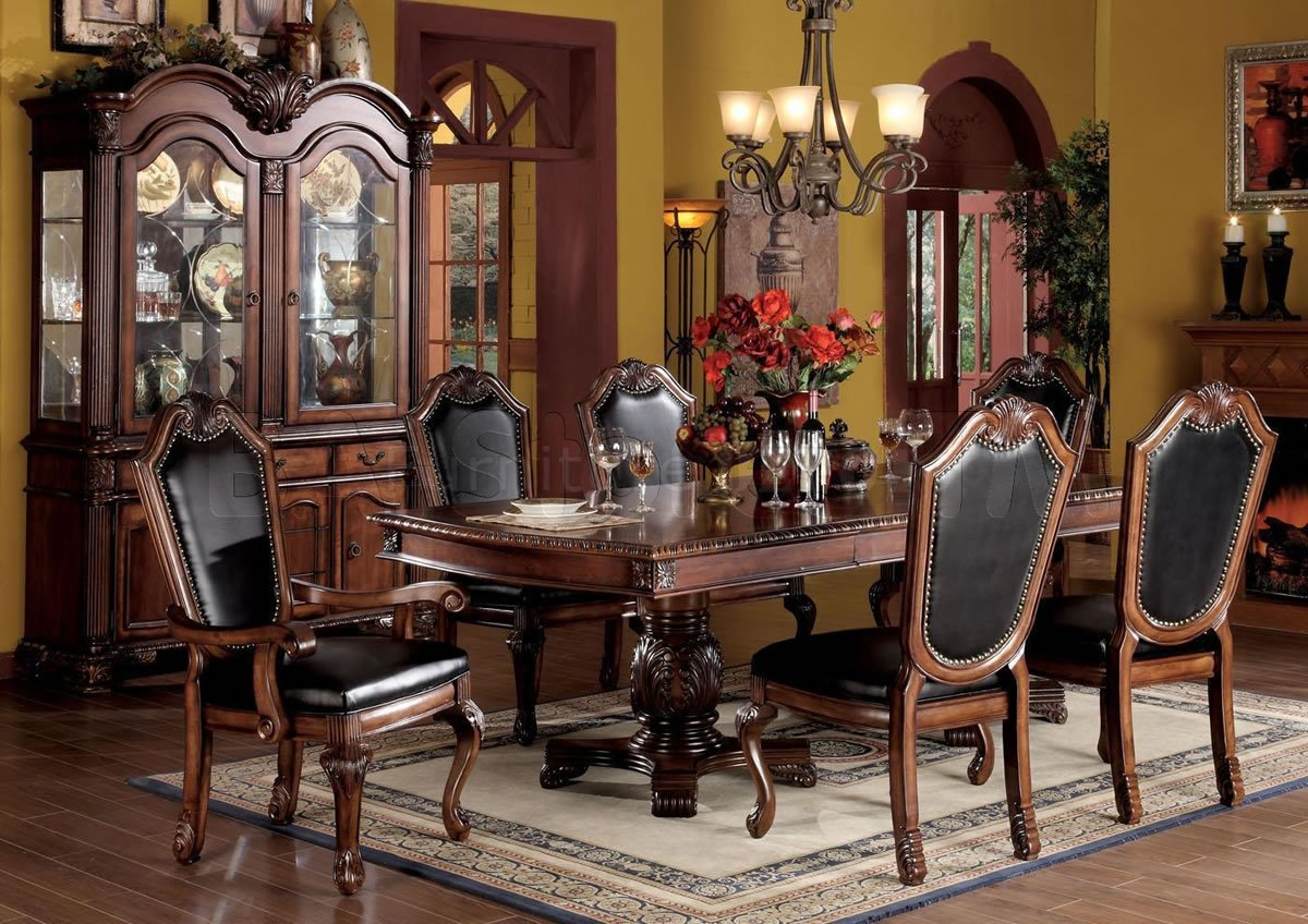 Dining Room Chairs To Complete Your Dining Table | Custom Home Design