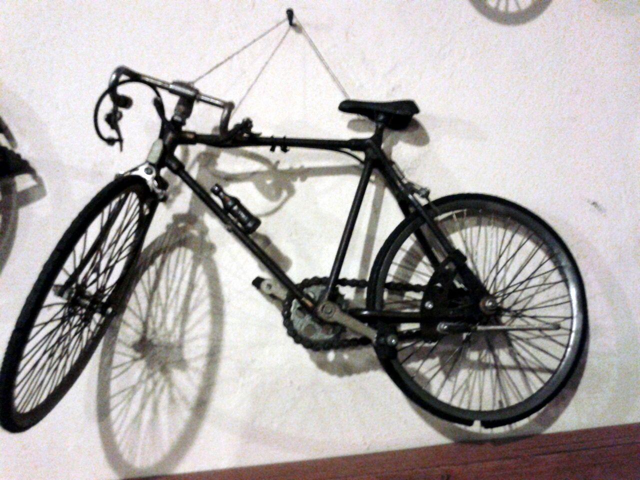 Bike Wall Hanger On Wall Ideas