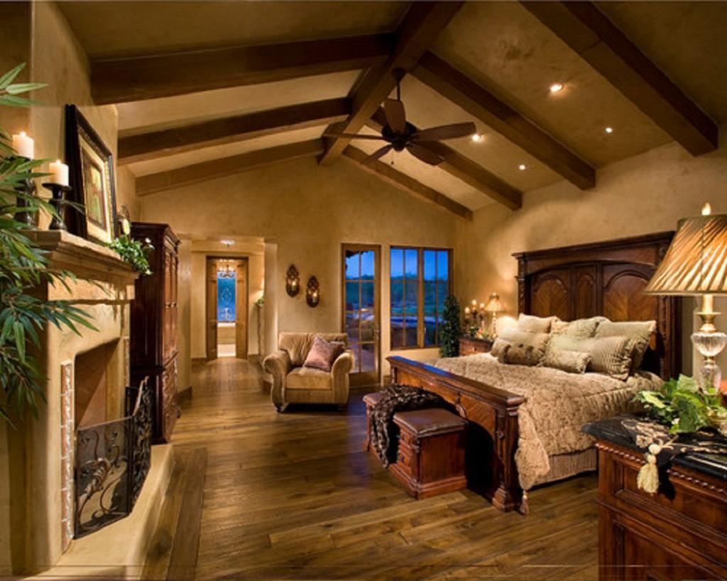 Classic Bedroom With Wooden Floor Design