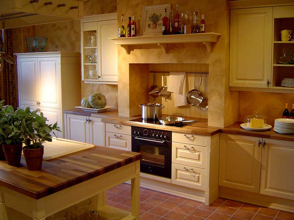 Classic Style Kitchen Architecture (Image 2 of 10)