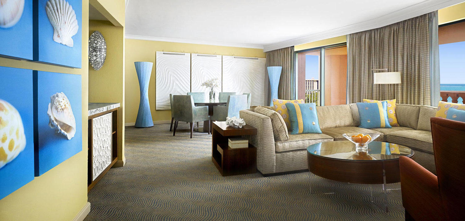 Contemporary Atlantis Bridge Suite Hotel