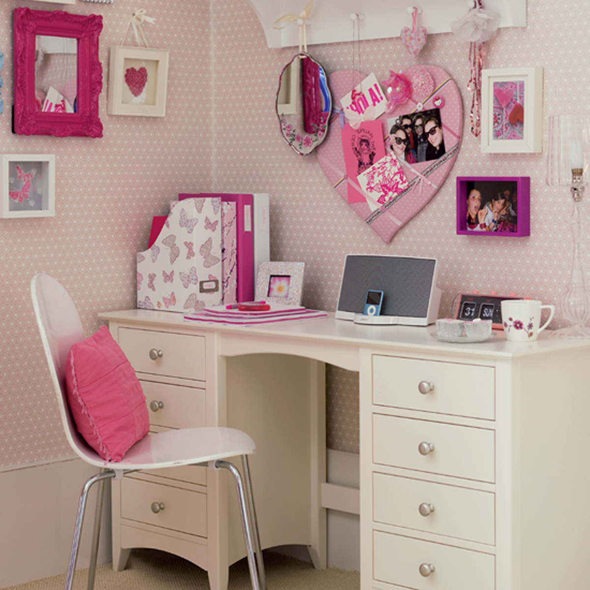 Cute Pink White Study Desk (Image 1 of 10)