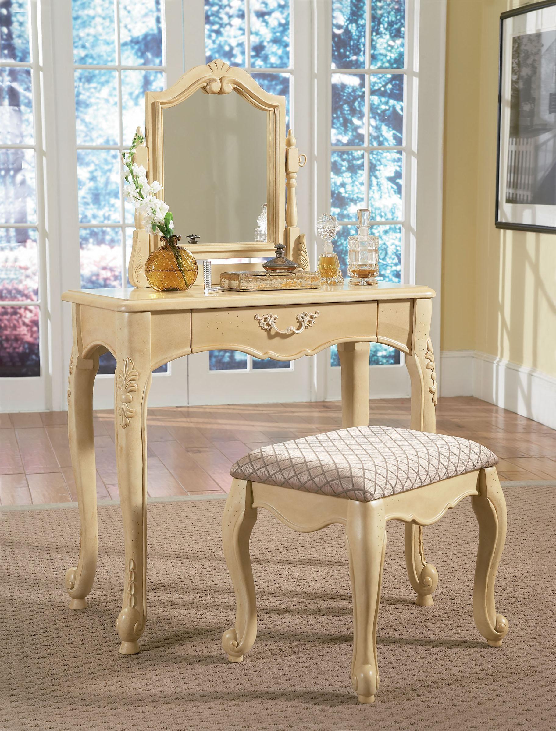 Elegant Vanities For Bedroom (View 7 of 10)