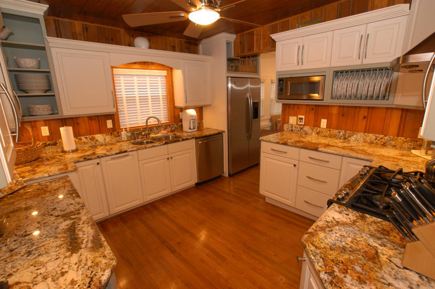 Good Knotty Pine Paneling For Kitchen Wall (Image 1 Of 5)