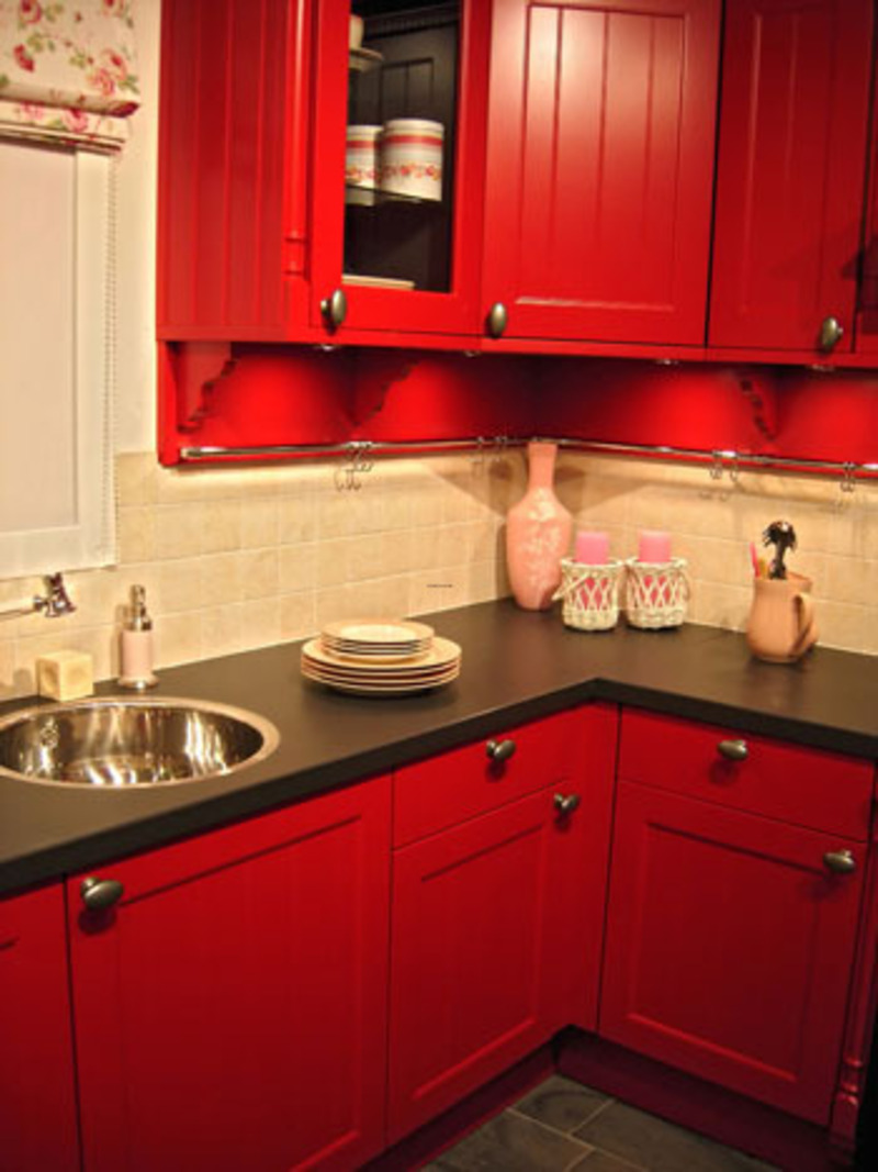 Uncategorized Small Red Kitchen Appliances bright and eye catching red kitchen ideas custom home design for small kitchens image 4 of 10