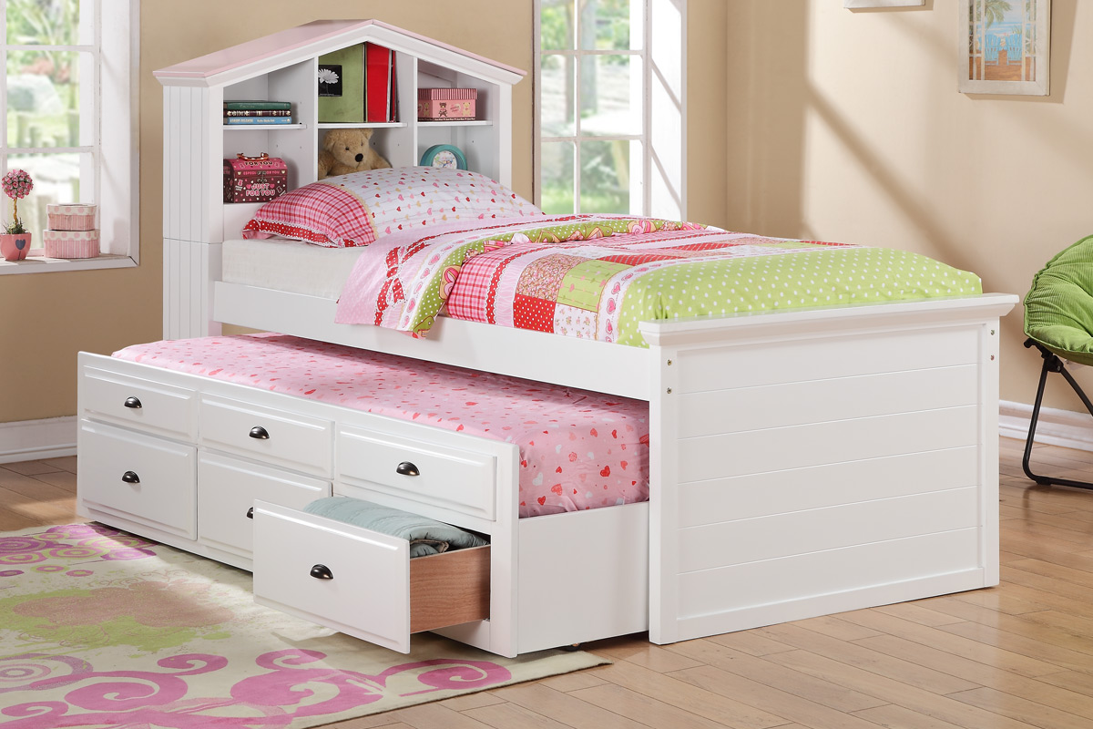 Lovely Bedroom for Twin Girls Decoration Sets and Furniture