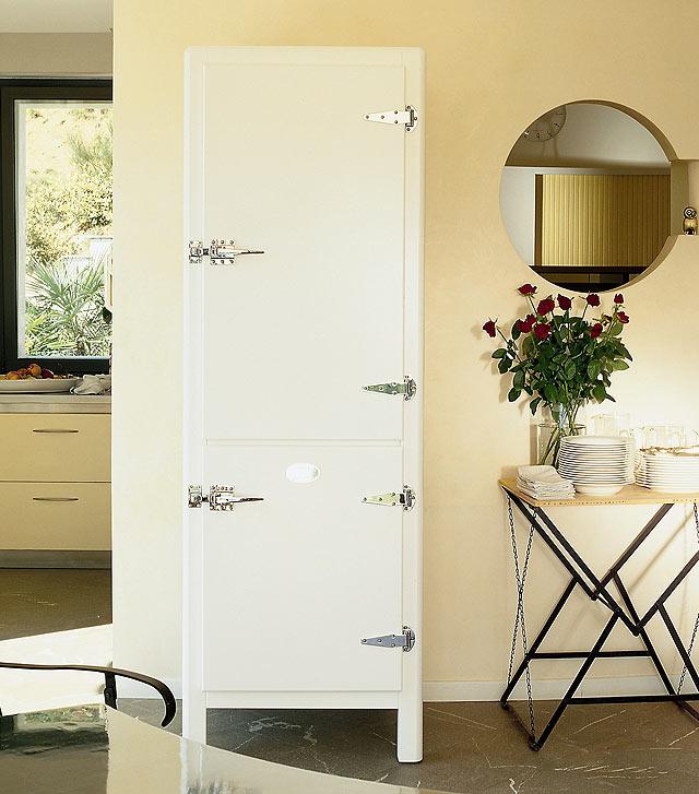 Meneghini Refrigerator-Freezer Tall Single