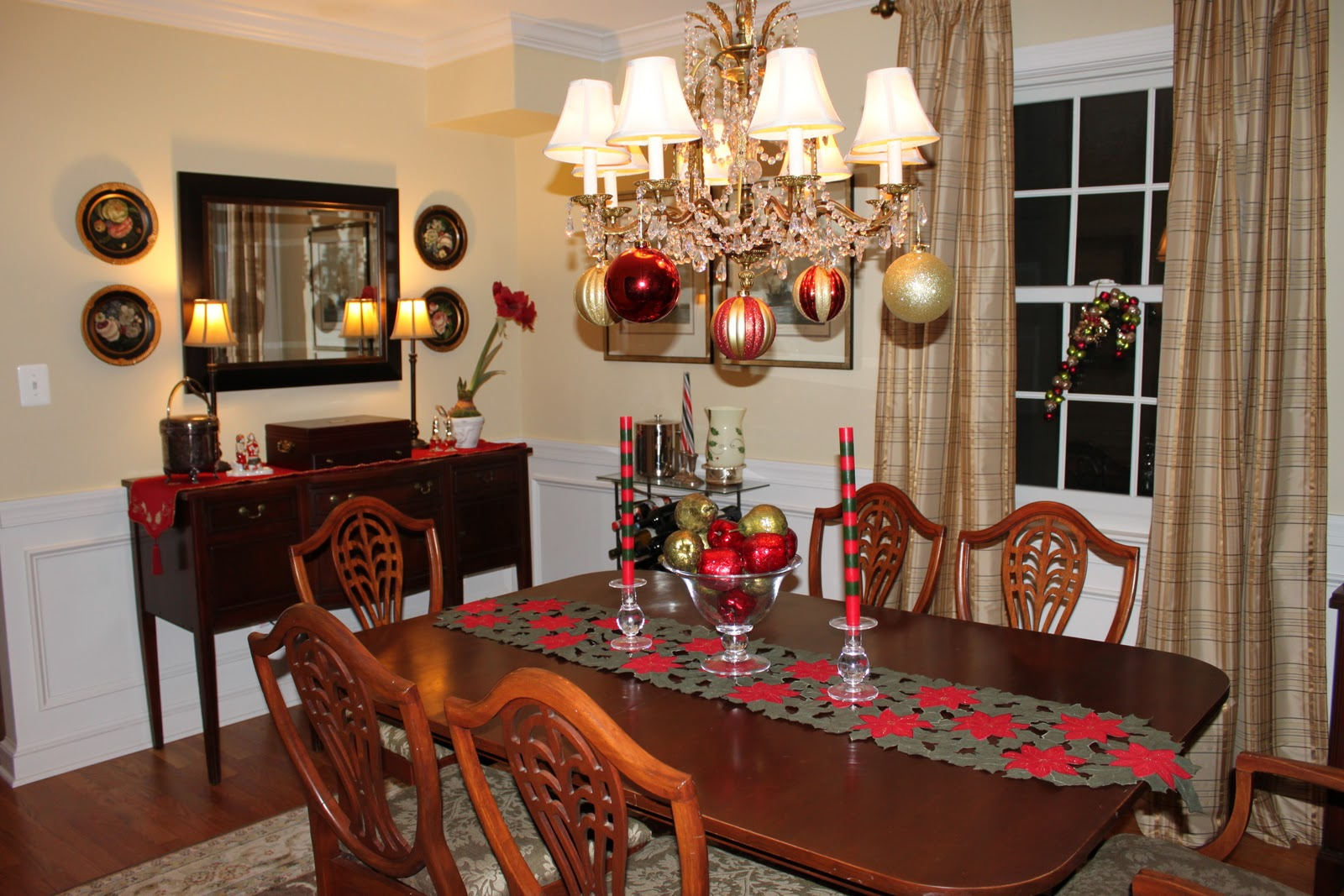 Dining room decor red colour wallpaper design for dining for Kitchen come dining room ideas