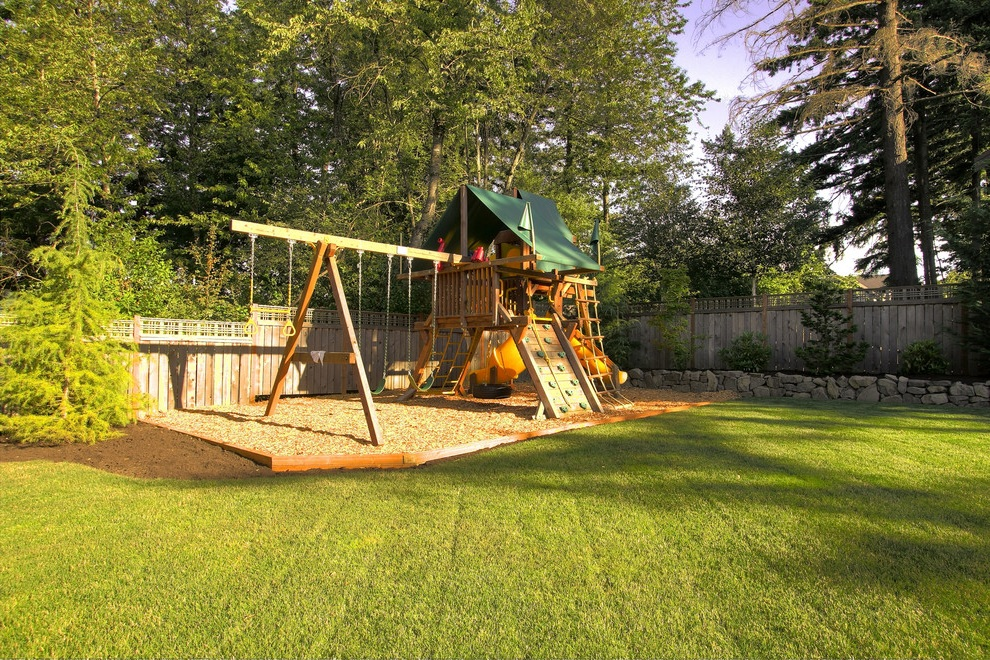 Modern Backyard With Kids Outdoor Play Area (Image 5 of 6)