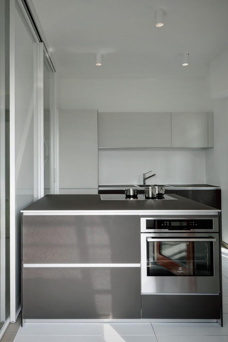 Modern Basic Kitchen Design (Image 10 of 16)