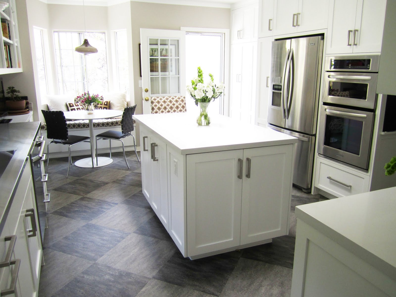 Featured Photo of Expensive Modern Kitchen Shape Interior