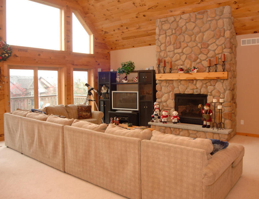 Modern Knotty Pine Paneling for Living Room