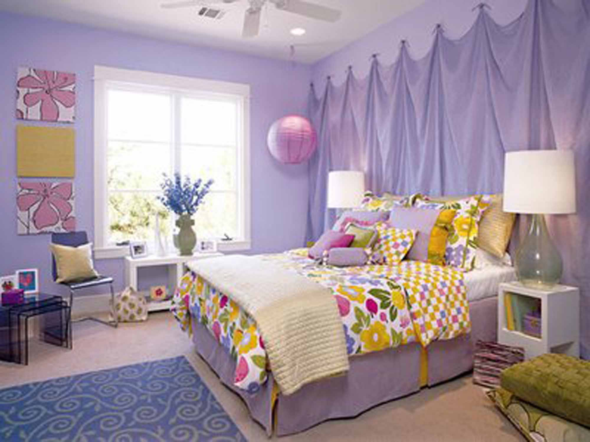Purple Wall Paint And Curtain Decoration