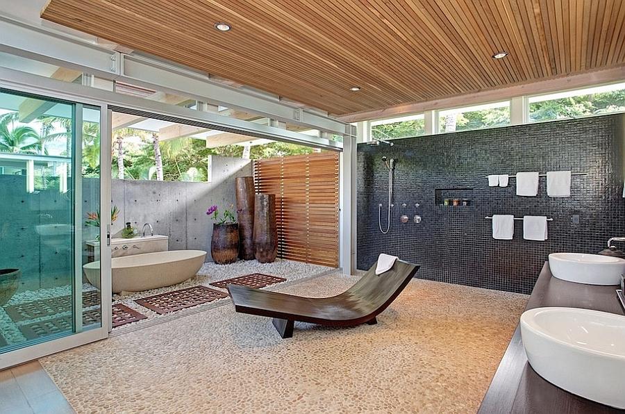 Relaxing outdoor bath design