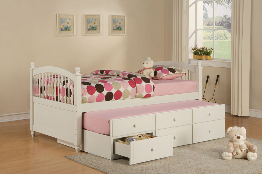 Simple Bedroom for Twin Girls Decoration Sets and Furniture