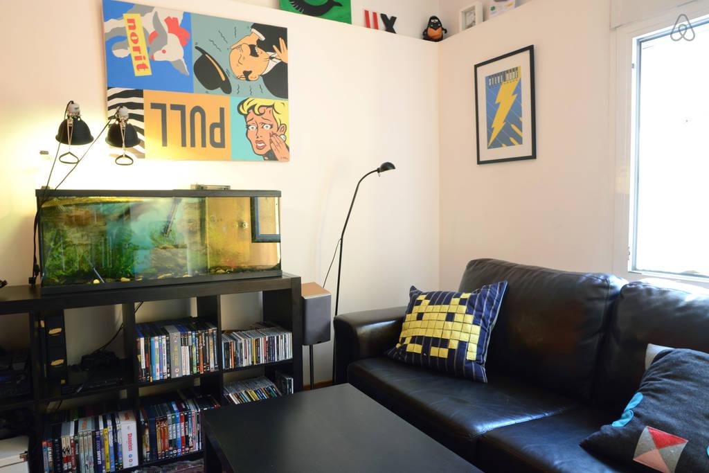 Small Aquarium In Living Room (View 6 of 21)
