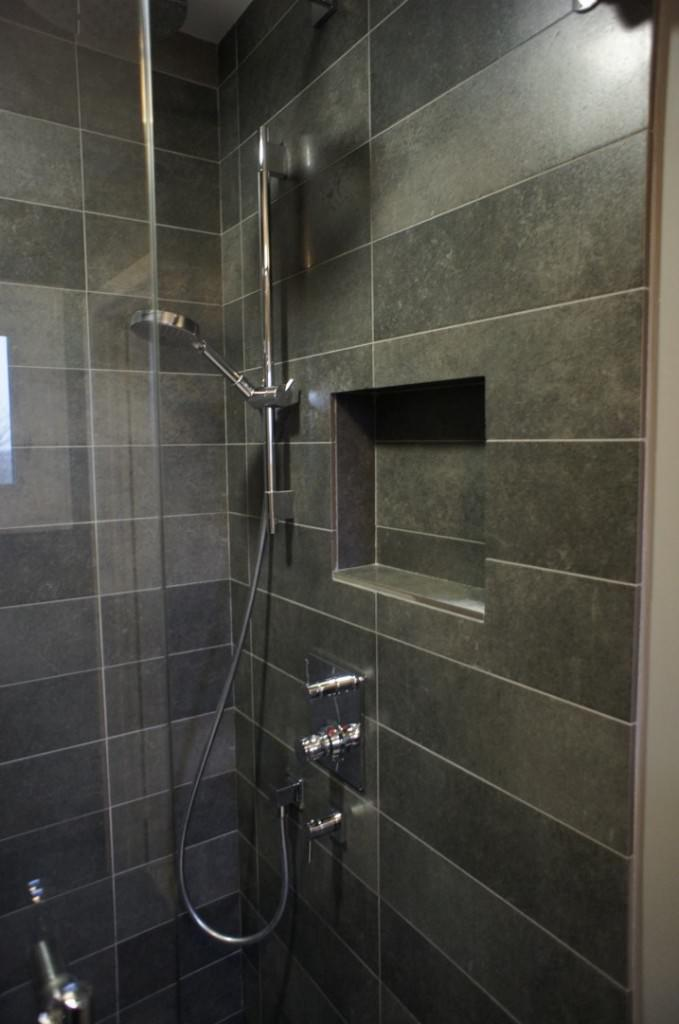 Stone Wall Shower Room Ideas