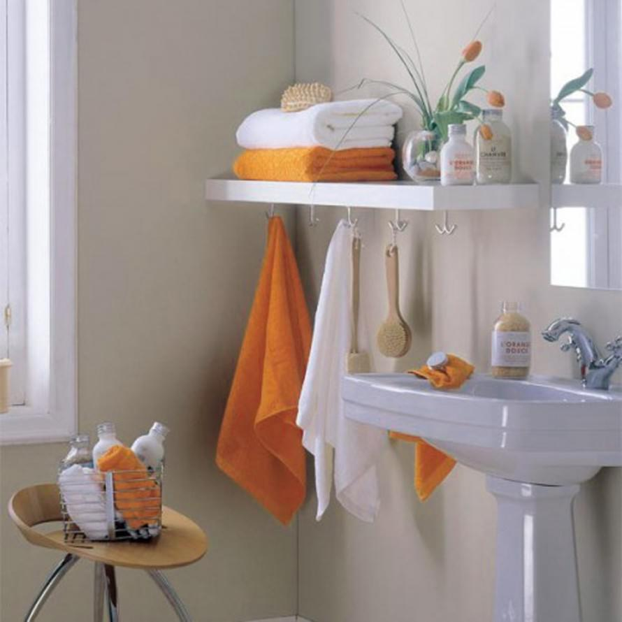 Towel Storage For Small Bathroom Ideas (Image 7 of 10)