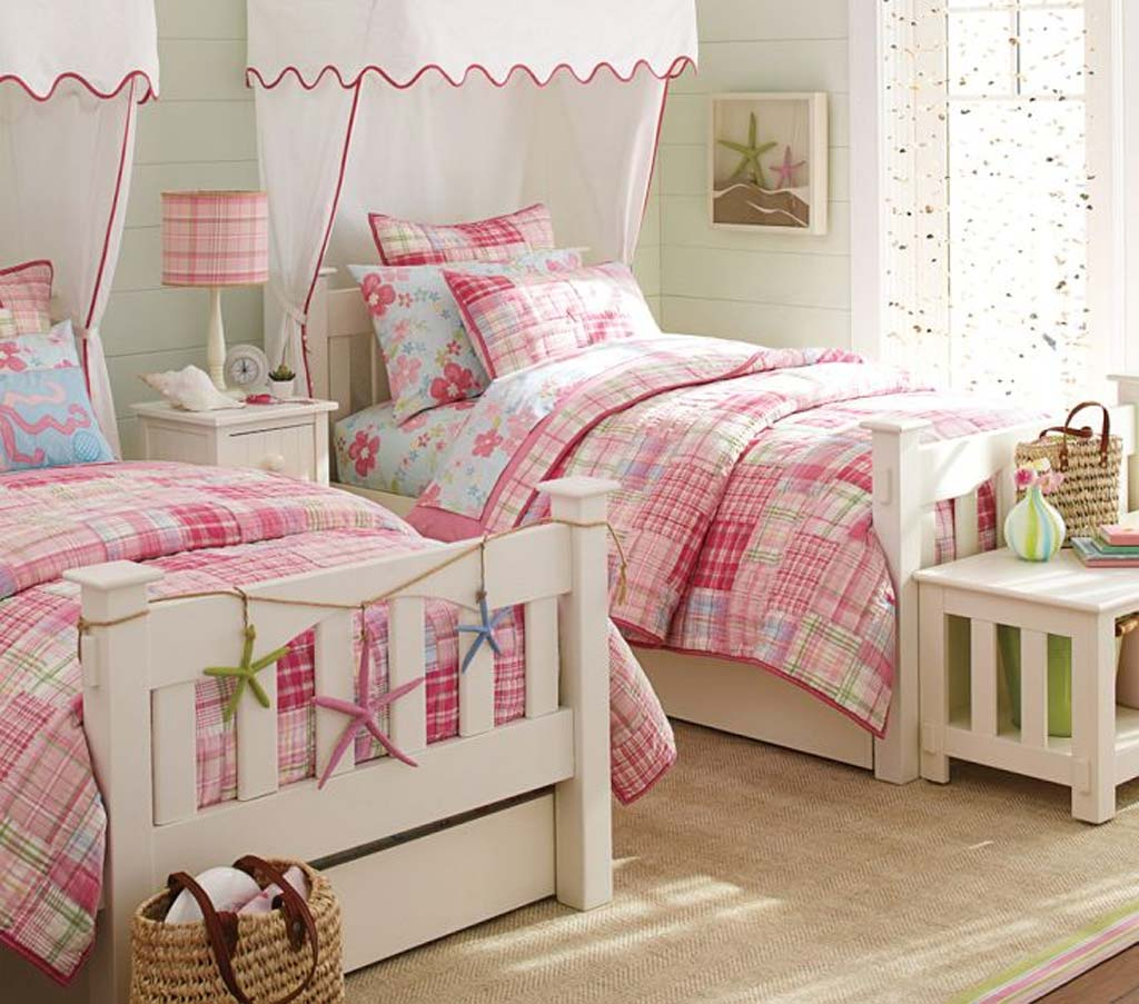 Vintage Bedroom for Twin Girls Decoration Sets and Furniture