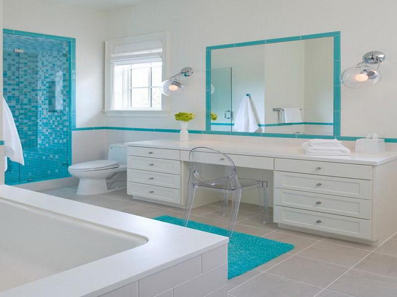 White Blue Beach Themed Bathroom (Image 10 of 10)