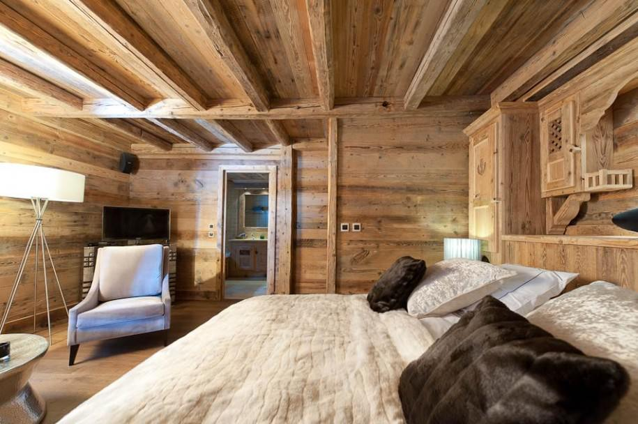 Wooden Bedroom With IKEA Lamp Ideas (Image 10 of 10)