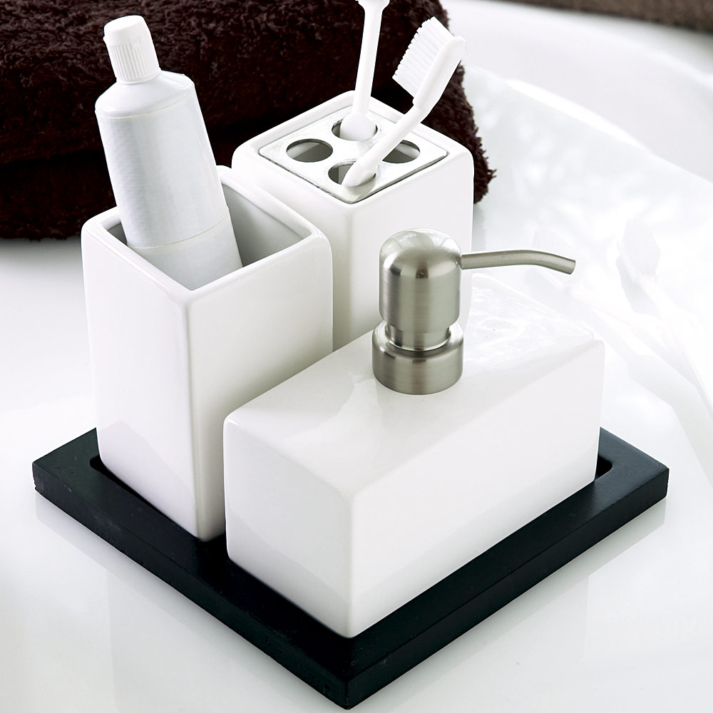 Accessoris Bathroom Set (Image 2 of 10)
