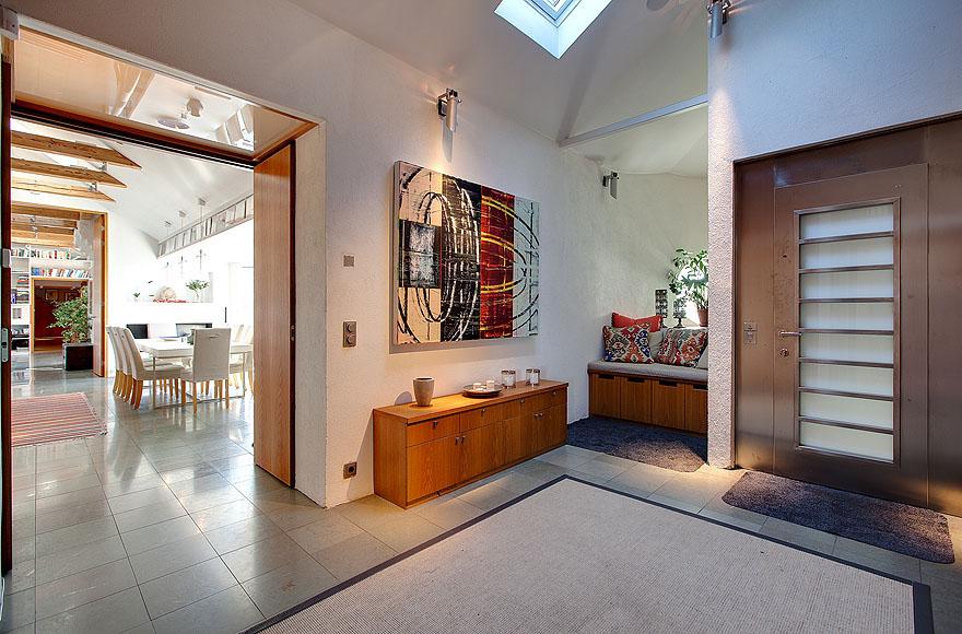 Artistic Minimalist Penthouse Design