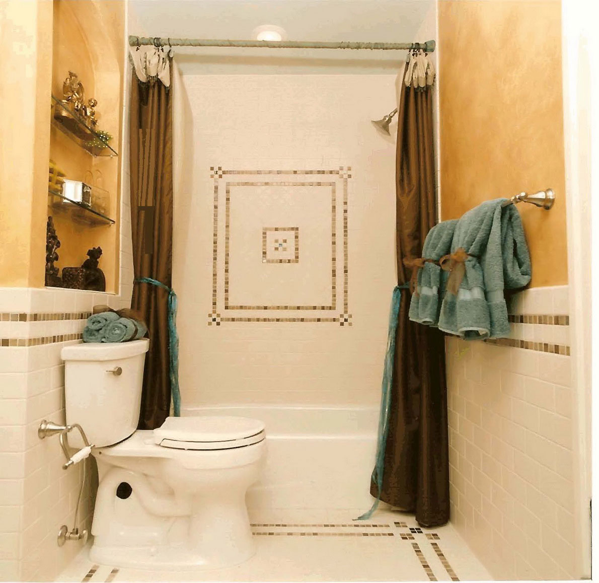 Bathroom Designs For Small Spaces (Image 4 of 20)