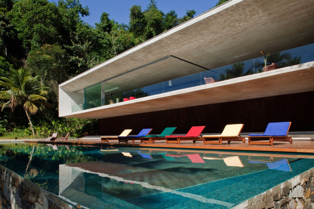 Beautiful Modern Coastal Home Designs (Image 2 of 10)