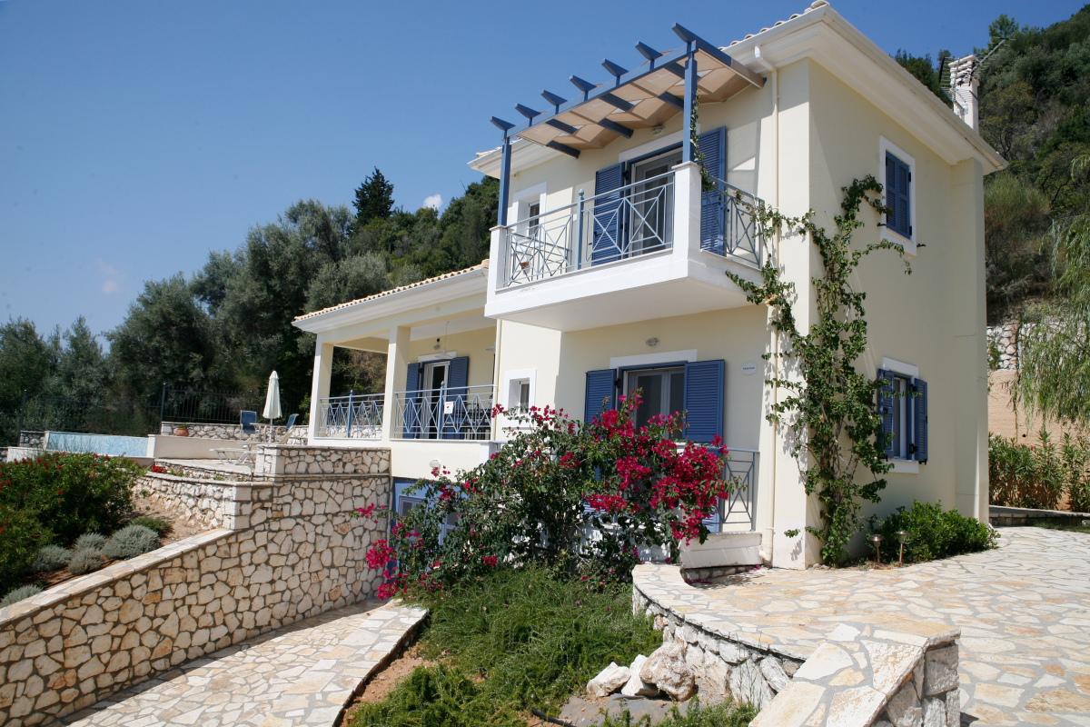 Surprising Greek Villas For Spending The Vacation Custom