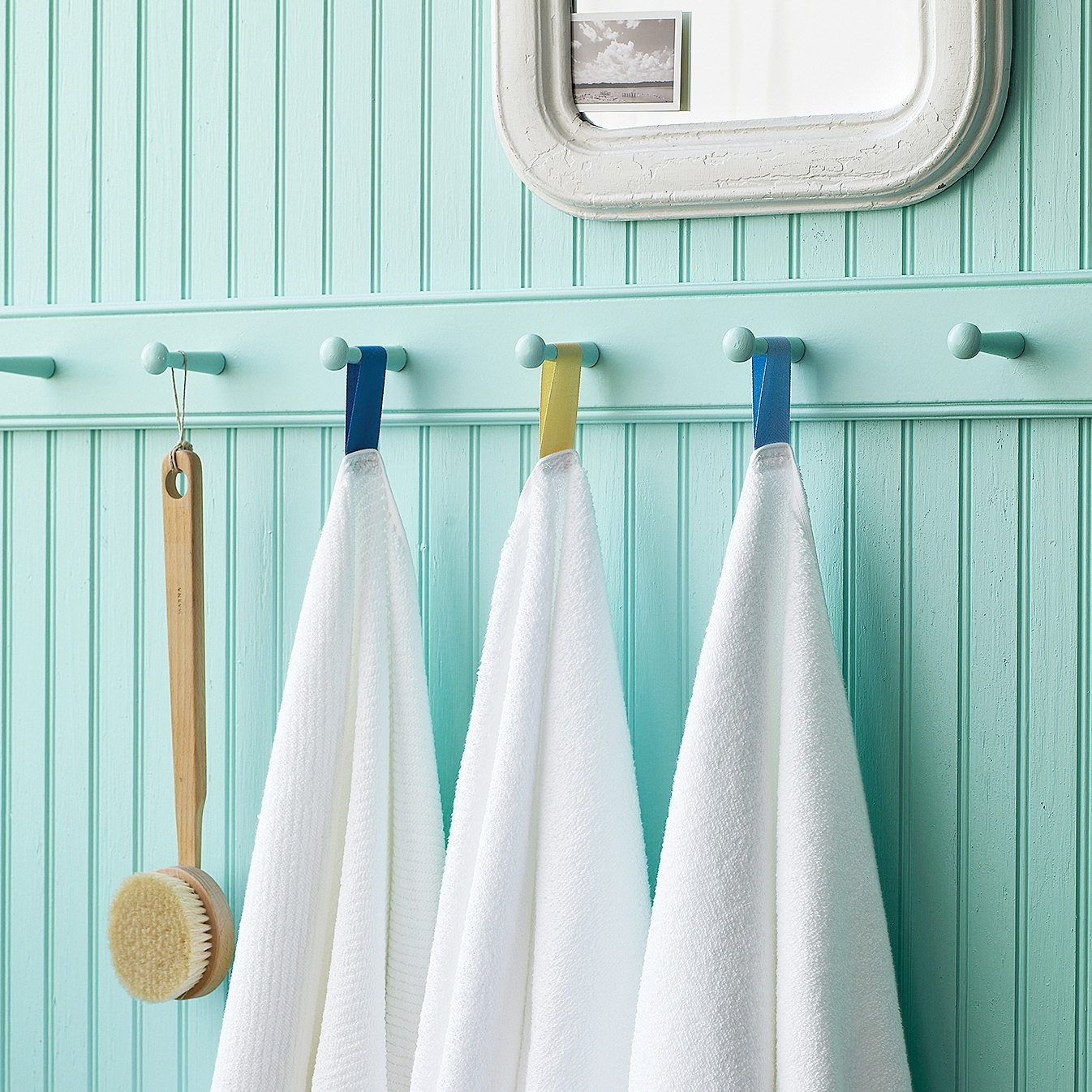 Blue Arrange The Towels In Your Bathroom (Image 2 Of 10)