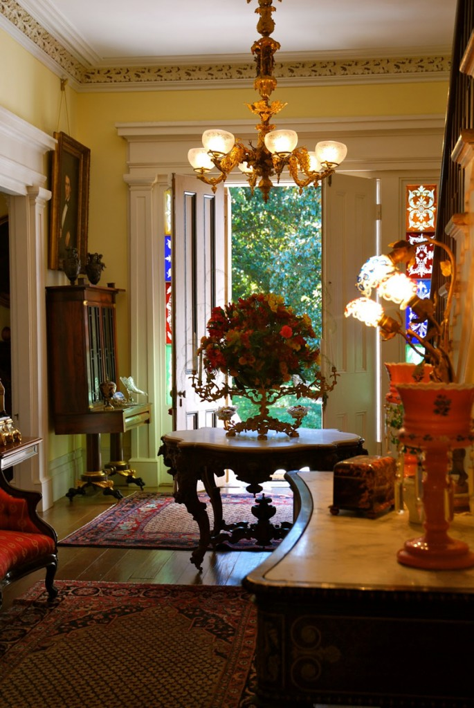 Cheap Home Old World Decor Ideas (View 2 of 10)
