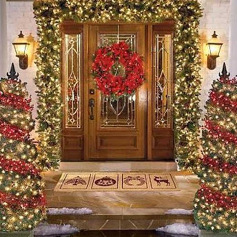 Christmas Front Door Decorating Ideas (Image 2 of 10)