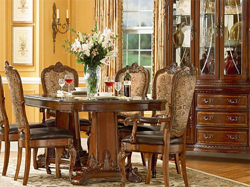 Classic Living Area Old World Decor Ideas (View 3 of 10)