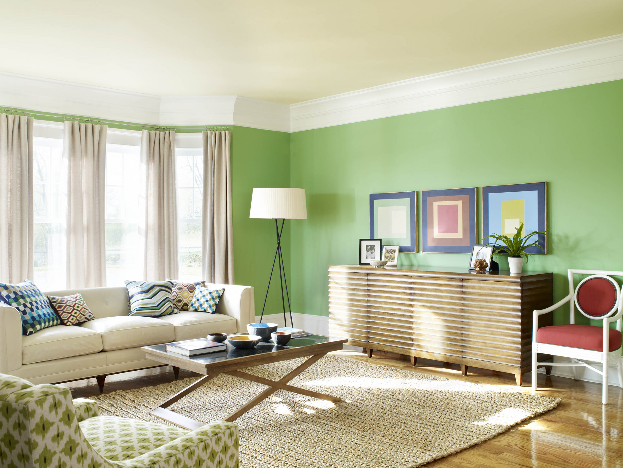 Decorating Ideas For Living Room With Green Wall (Image 5 of 10)