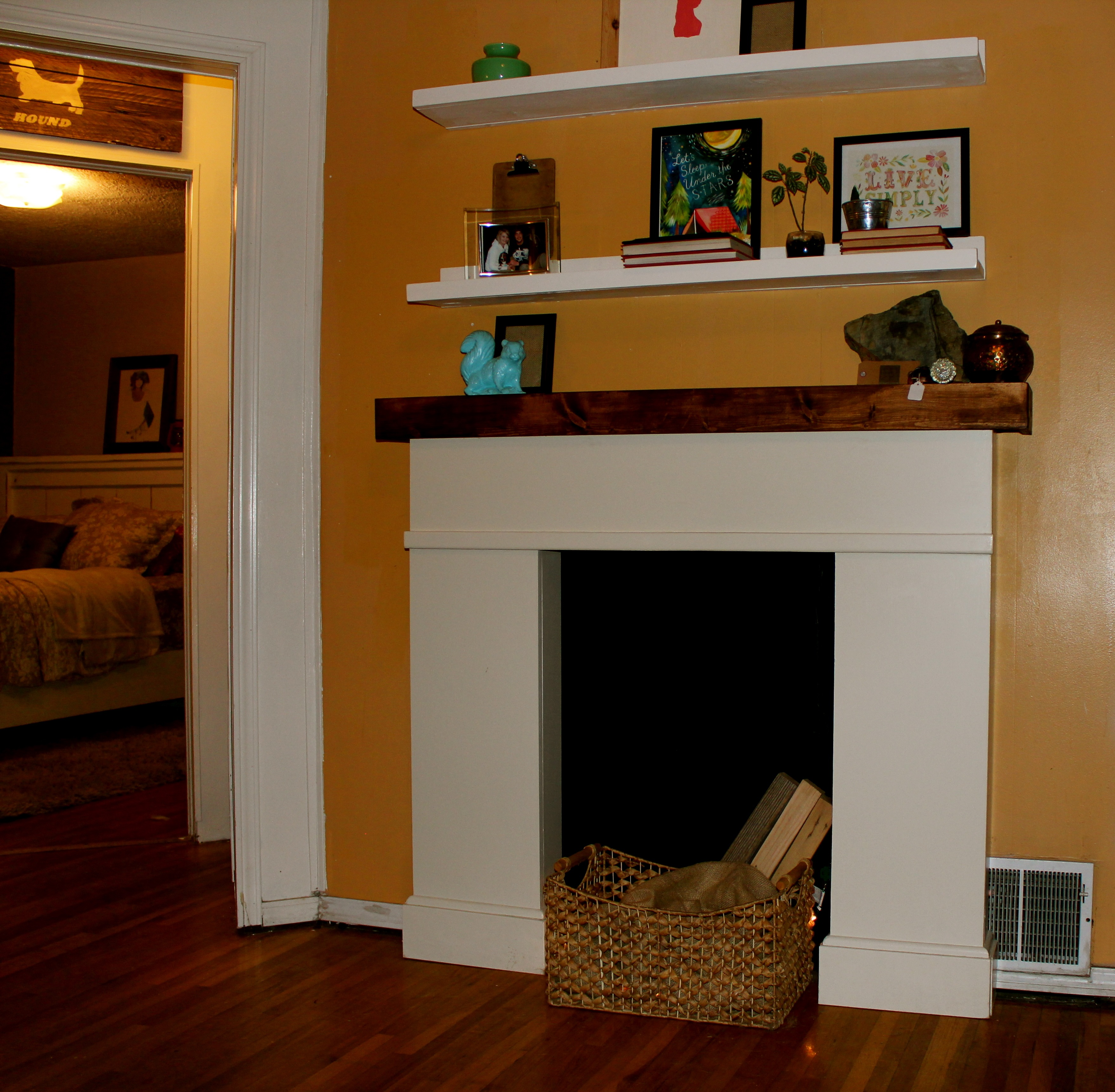 Decorations Fireplace