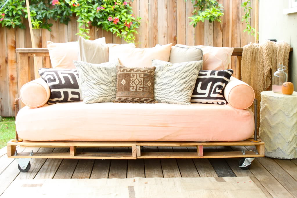 Easy DIY Patio Furniture Projects (View 6 of 20)