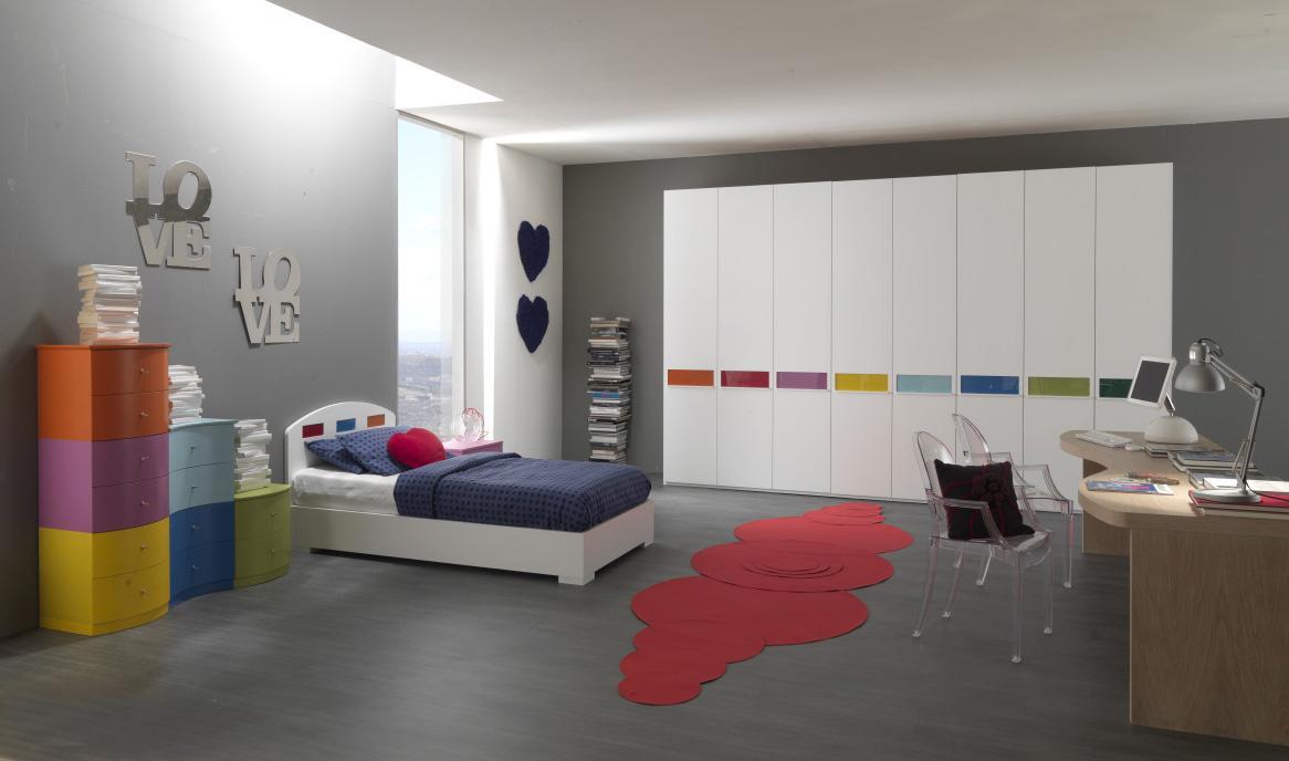 Elegant Providing Sanctuary in Teenage Girl Bedroom