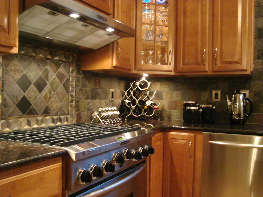 Elegant Tiles On Mosaic Ideas For Kitchen (Image 4 of 10)