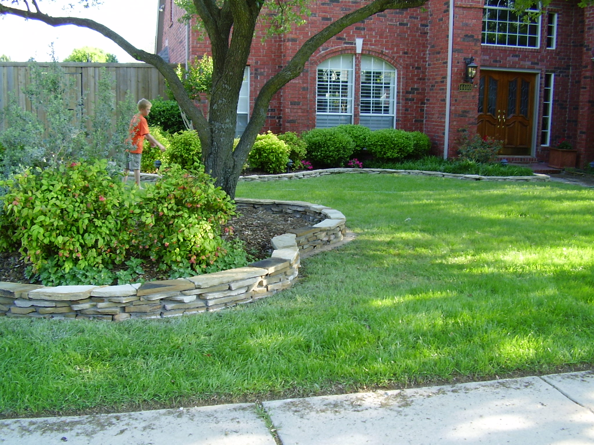 Intresting Flower Bed Border Ideas (View 7 of 10)
