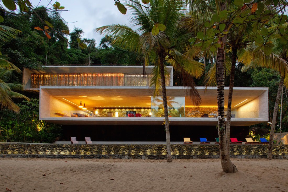 Intresting Modern Coastal Home Designs (Image 5 of 10)