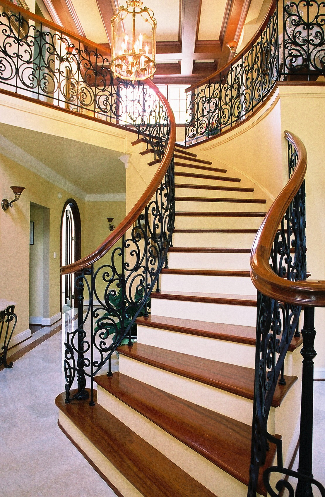 Majestic Stair Layout Decorations (View 1 of 10)