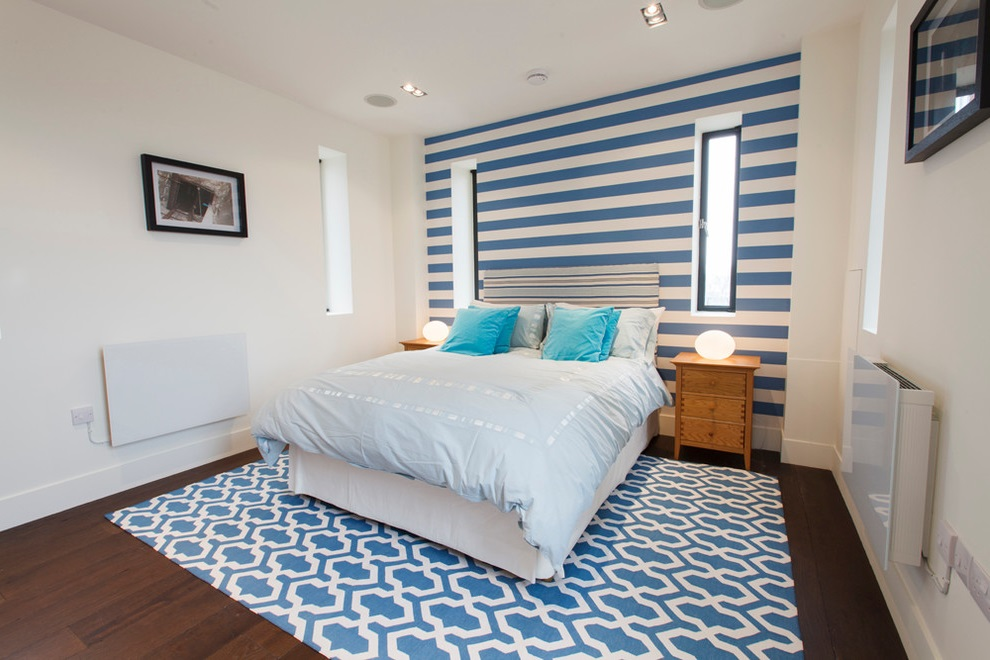 Minimalist Girl Room In Blue Theme (Image 6 of 10)