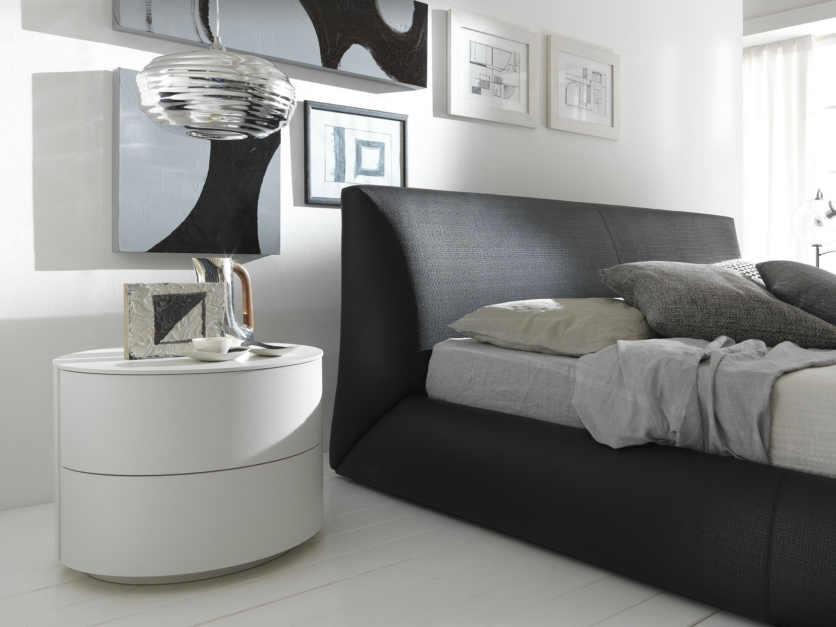 Modern Black Contemporary Nightstands