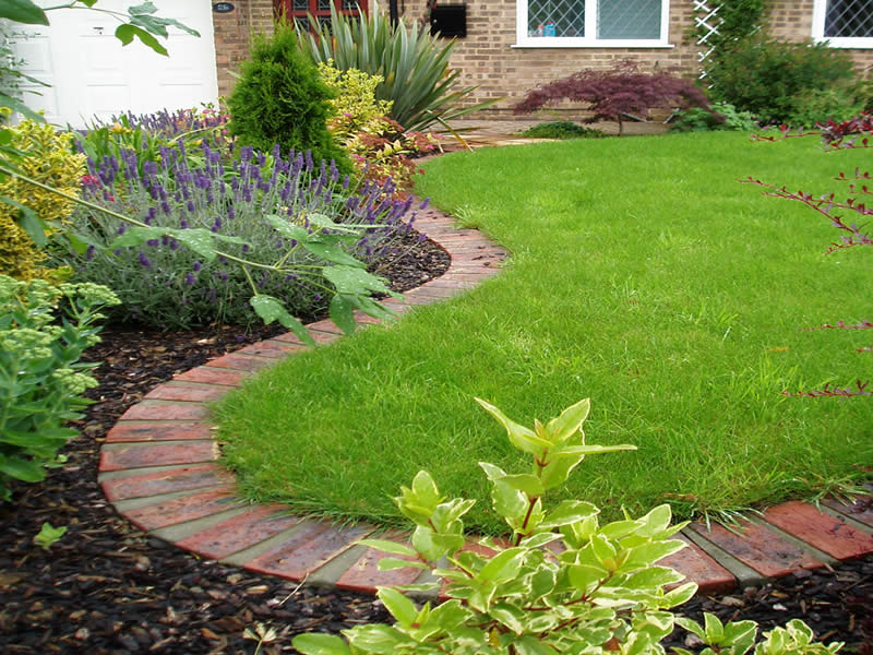 Featured Image of Creating The Flower Bed Border Ideas For Your Lawn