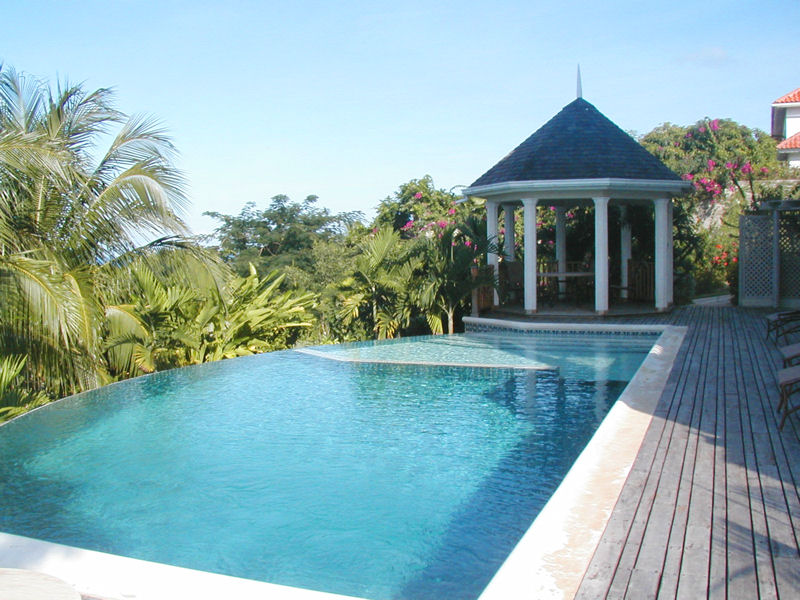 Royal Infinity Pool Design No Edges No Boundaries