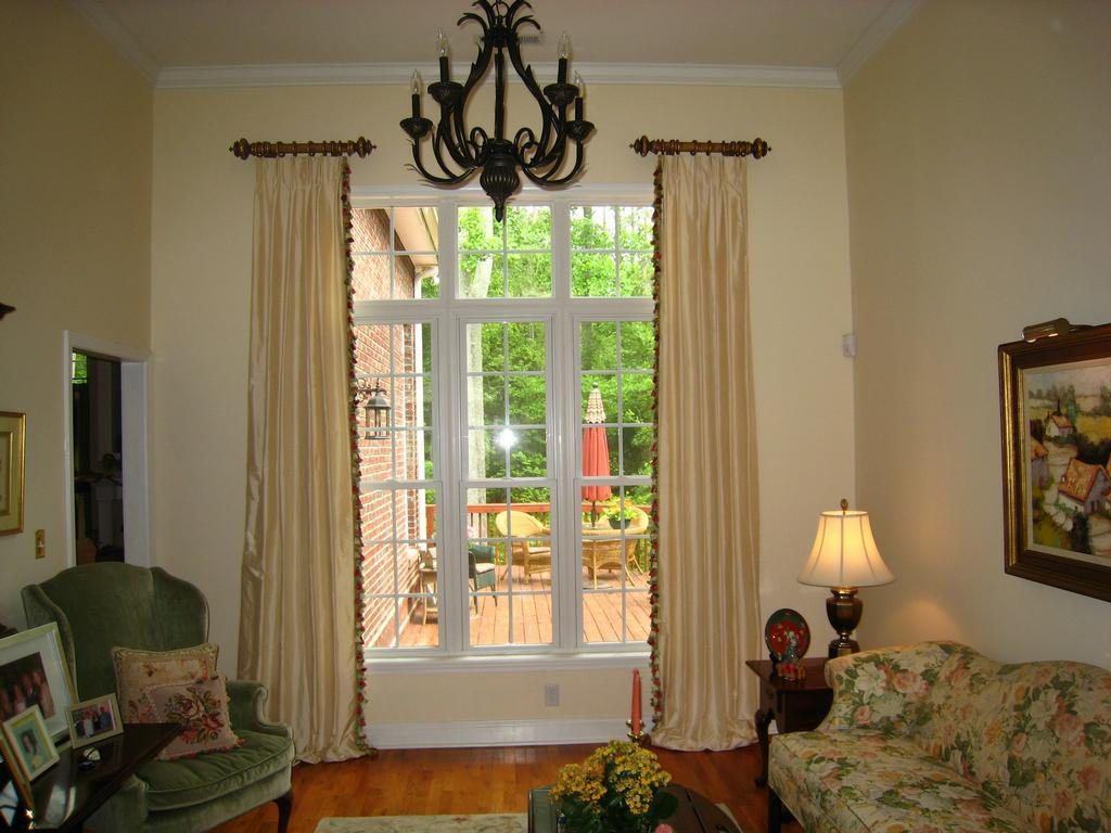 Featured Image of Curtain Ideas For Large Windows In Living Room