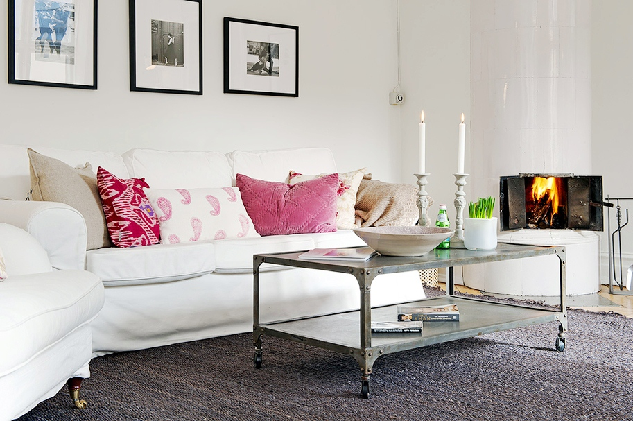 Simple Pink Sofa Pillows For Living Room (View 10 of 10)