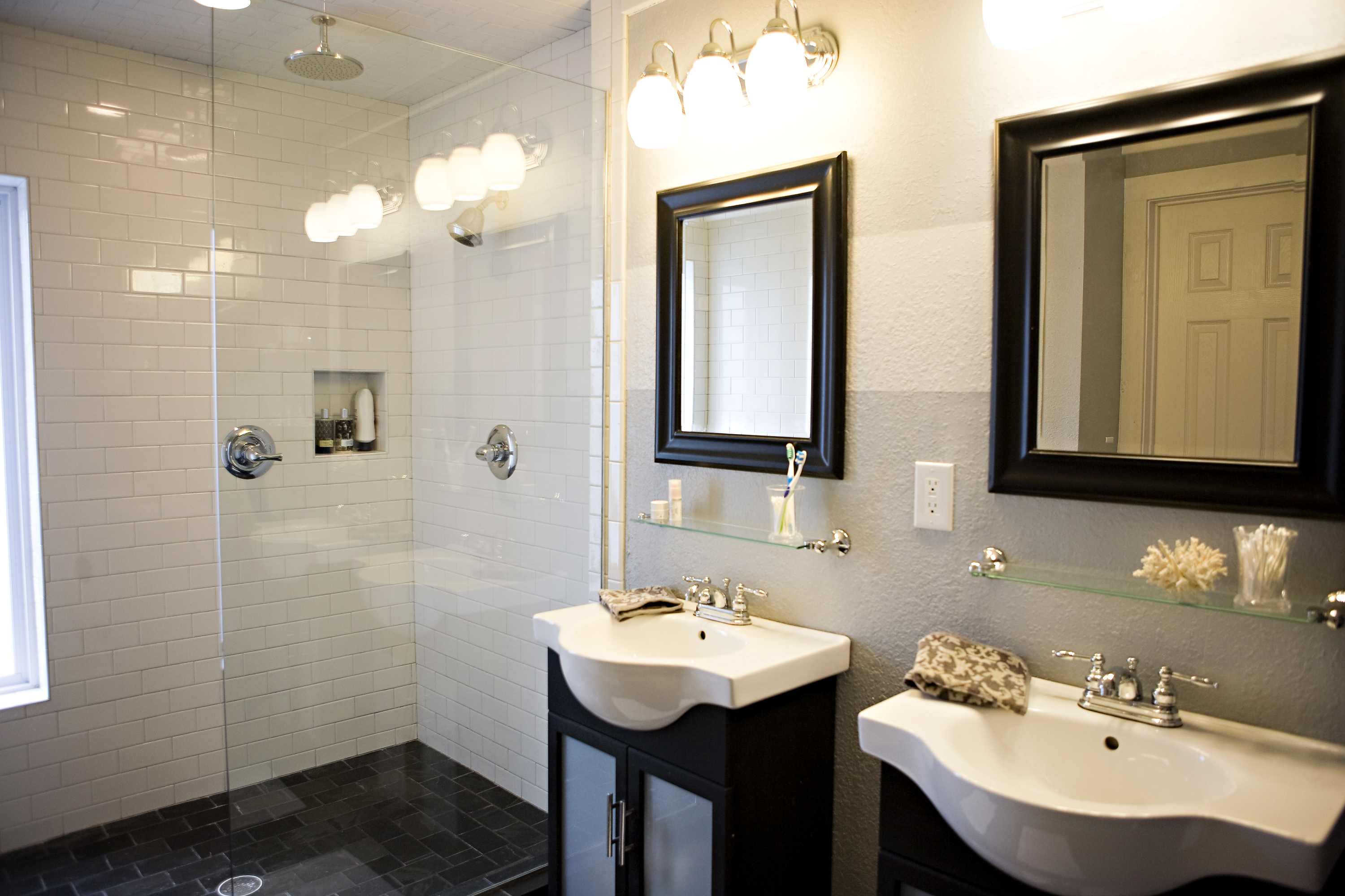 Small Space Bathroom Vanity Ideas With Stylish Black White Vanity Cabinets (View 2 of 20)