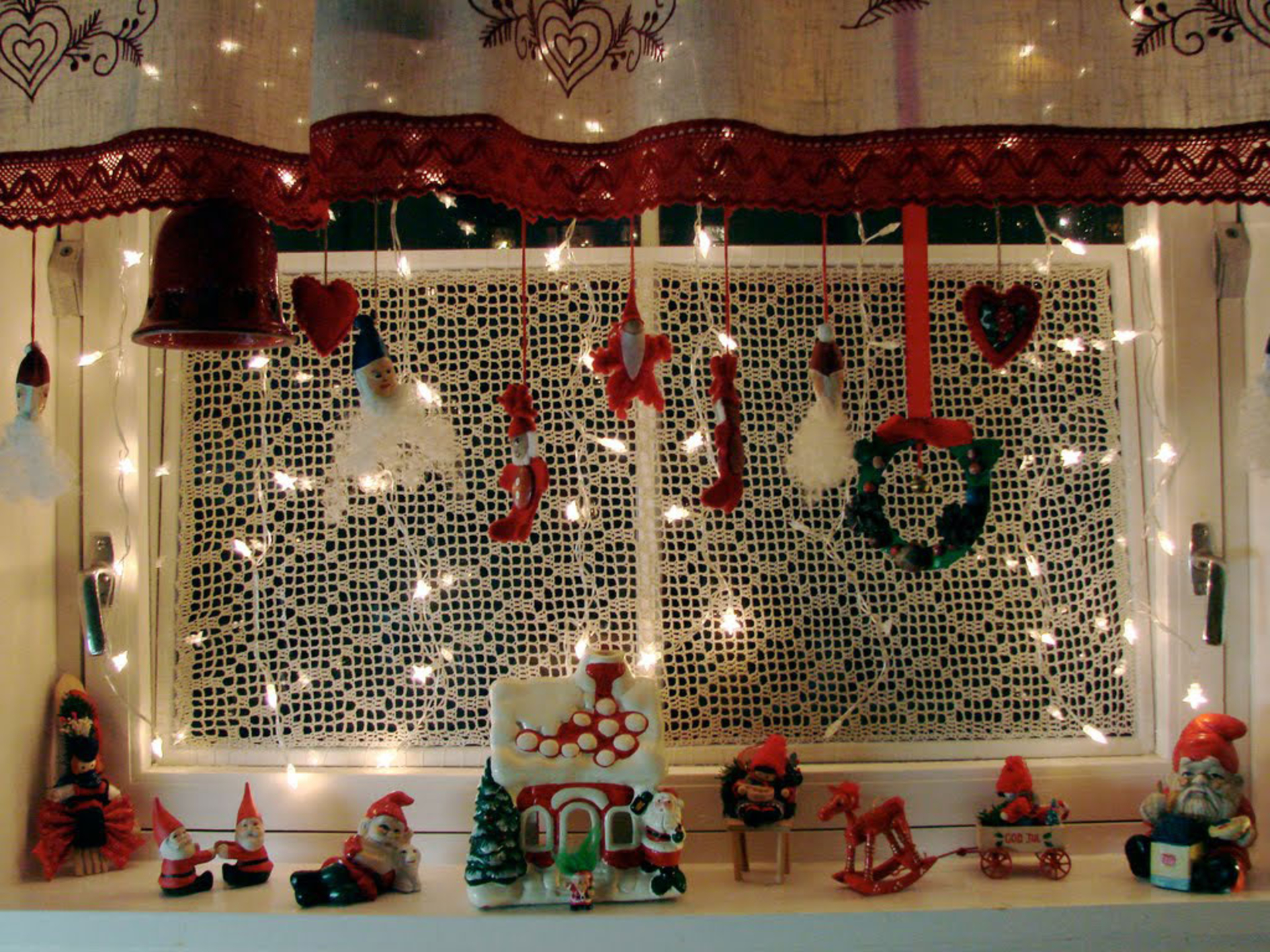 Trendy Decorating Christmas (Image 10 of 10)